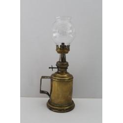 LAMPE A PETROLE